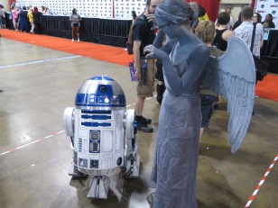 Fandom cross-over. Hey, R2.
